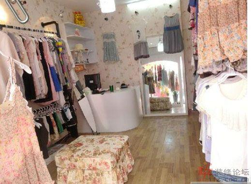 推荐一些不错的小服装店装修图