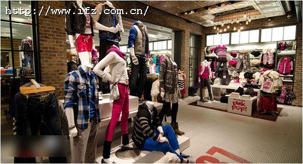 服装店立体墙面设计