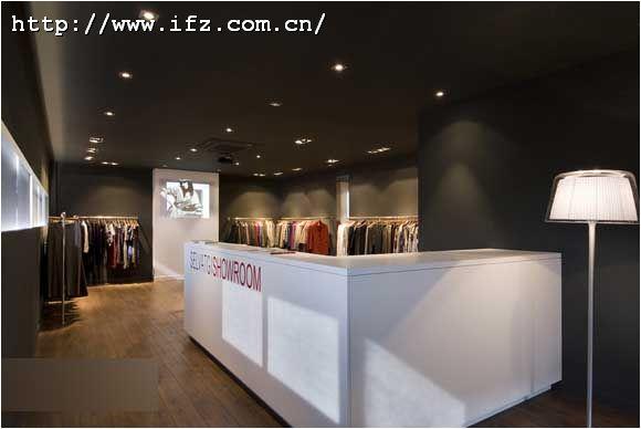服装专卖店形象墙设计